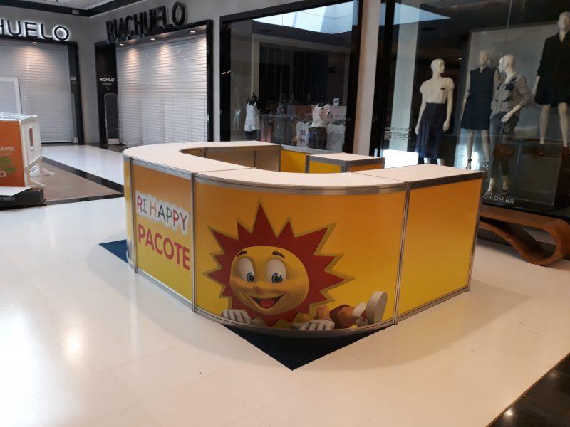 Quiosque Frontal Dia das Crianças - Ri Happy ( Boulevard Shopping)